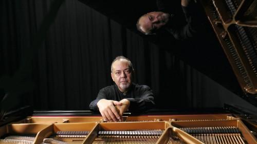 Mehmet_Okonsar_Piano