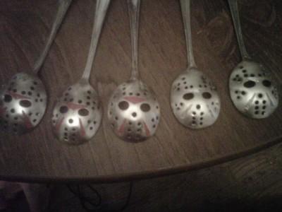 【画像】ジェイソンのマスク型スプーンww