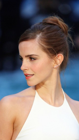 papers.co-hb93-emma-watson-in-white-dress-34-iphone6-plus-wallpaper