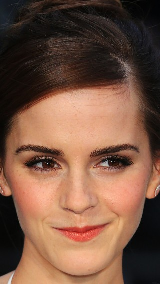 papers.co-hc05-emma-watson-smiling-noah-34-iphone6-plus-wallpaper