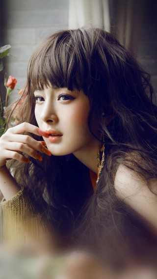 papers.co-hf83-yang-mi-actress-singer-beauty-sexy-34-iphone6-plus-wallpaper