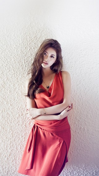 papers.co-hf92-suzy-missa-kpop-red-dress-34-iphone6-plus-wallpaper