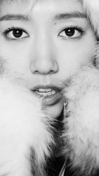 papers.co-hg60-kpop-park-shin-hye-actress-beauty-cute-bw-34-iphone6-plus-wallpaper