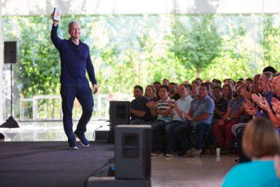 【祝】発売から9年で「iPhone」の販売台数10億台の大台突破www