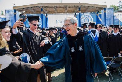 【動画】ティム・クックCEOが母校の卒業式で祝辞